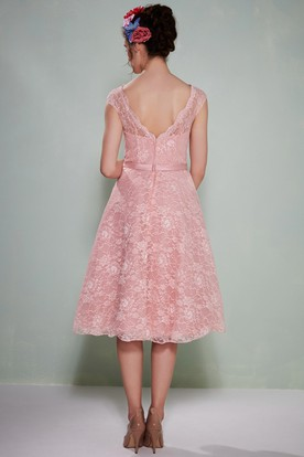 Tea-Length Sleeveless Bowed Bateau Neck Lace Bridesmaid Dress With Low-V Back
