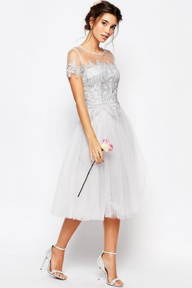 Tea-Length Appliqued Short Sleeve Scoop Neck Tulle Bridesmaid Dress