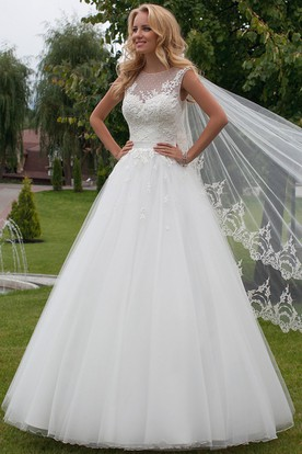 A-Line Scoop-Neck Sleeveless Tulle Wedding Dress With Illusion