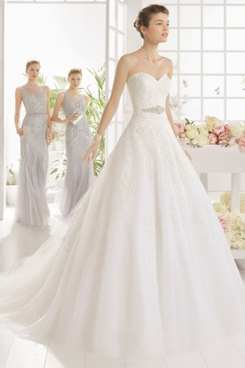 Ball Gown Floor-Length Sweetheart Organza Wedding Dress With Appliques And Waist Jewellery