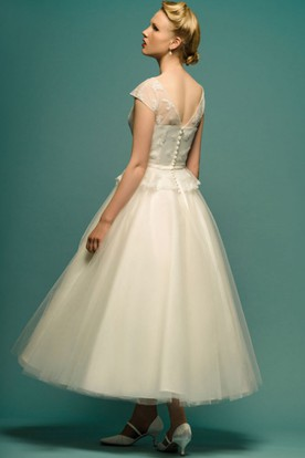 A-Line Tea-Length Appliqued Scoop Neck Cap Sleeve Tulle Wedding Dress