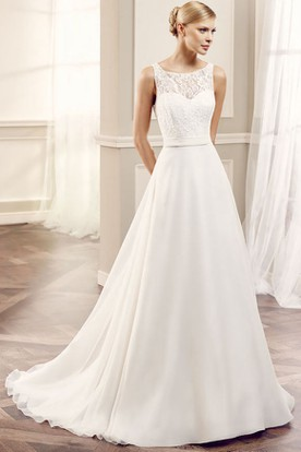 Maxi Scoop Appliqued Chiffon Wedding Dress With Sweep Train And Keyhole