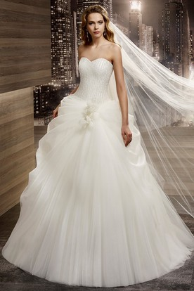 Sweetheart A-line Wedding Gown with Side Ruching and Lace-up Back