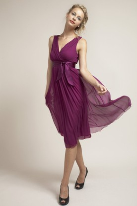 Tea-Length Bowed Sleeveless V-Neck Chiffon Bridesmaid Dress With Ruching