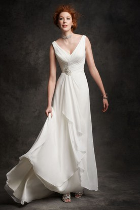 Sheath Sleeveless V-Neck Draped Chiffon Wedding Dress With Broach And Lace Up
