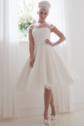 Tea-Length A-Line Sleeveless High Neck Appliqued Tulle Wedding Dress