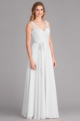 Sheath V-Neck Sleeveless Chiffon Wedding Dress With Lace