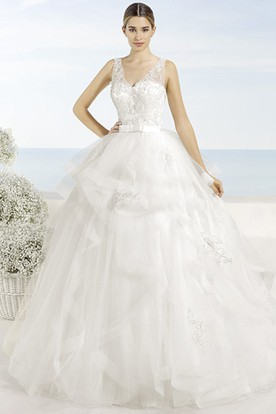 Ball-Gown Appliqued V-Neck Sleeveless Maxi Tulle Wedding Dress With Cascading Ruffles And Deep-V Back