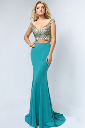 Sheath V-Neck Sleeveless Jersey Low-V Back Dress With Beading