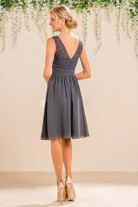 Sleeveless A-Line Knee-Length Lace Bridesmaid Dress With V-Back