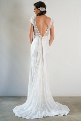 V-Neck Floor-Length Appliqued Bowed Lace Wedding Dress With Court Train And V Back
