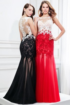 Maxi Sleeveless Appliqued Scoop Neck Tulle Prom Dress With Brush Train