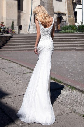 Sheath Floor-Length Appliqued Sleeveless Lace Wedding Dress With Low-V Back And Pleats