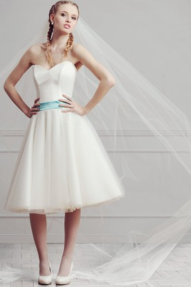 A-Line Sleeveless Sweetheart Knee-Length Satin&Tulle Wedding Dress