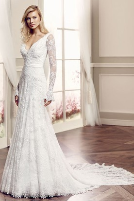 V-Neck Floor-Length Long-Sleeve Lace Wedding Dress With Watteau Train And V Back