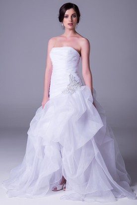Strapless Split-Front Organza Wedding Dress With Ruffles And Beading
