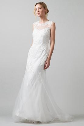 Sheath Scoop-Neck Sleeveless Tulle Wedding Dress With Illusion