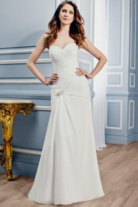 Sheath Sweetheart Chiffon Wedding Dress With Criss Cross And Zipper