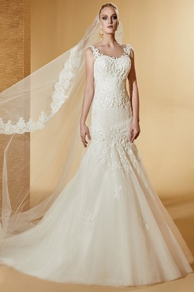 Square-Neck Mermaid Lace Long Wedding Dress With Exquisite Appliques And Brush Train