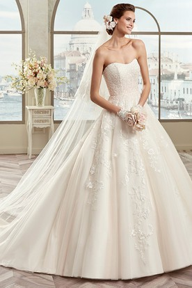 Sweetheart A-Line Beaded Bridal Gown With Floral Appliques And Open Back