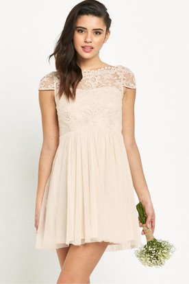 Short Sleeveless Appliqued Bateau Neck Chiffon Bridesmaid Dress With Low-V Back