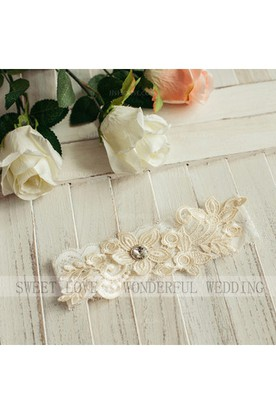 b65e9a72f Western Style Selling Simple Sweet Style Lace Elastic Bride Garter Within 16 -23inch