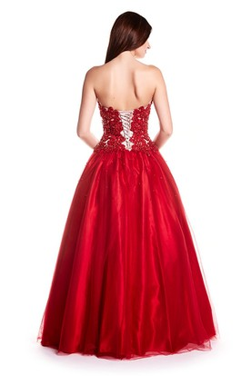 A-Line Appliqued Floor-Length Sweetheart Sleeveless Tulle Prom Dress With Corset Back And Beading