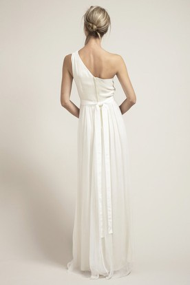 Floor-Length One-Shoulder Pleated Chiffon Wedding Dress With Flower
