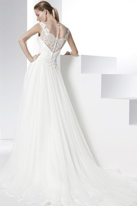 Strapless Floor-Length Appliqued Tulle&Satin Wedding Dress