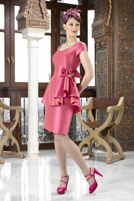 Knee-Length Pencil V-Neck Floral Cap Sleeve Satin Mother Of The Bride Dress With Peplum