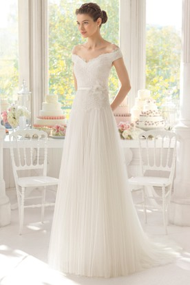 Sheath Long Off-The-Shoulder Tulle Wedding Dress With Lace And Pleats