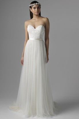 Sheath Floor-Length Sweetheart Tulle Wedding Dress With Ribbon And Corset Back
