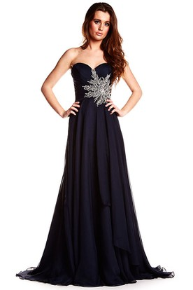 A-Line Crystal Sleeveless Floor-Length Sweetheart Chiffon Prom Dress With Backless Style And Draping