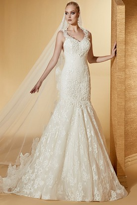 Sassy V-Neck Mermaid Lace Long Wedding Dress With Appliques Straps And Brush Train