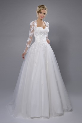 A-Line Sweetheart Tulle Wedding Dress With Lace Bodice And Long Sleeve