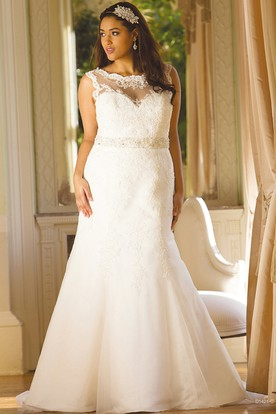 Scoop-Neck Sleeveless Jeweled Lace Plus Size Wedding Dress With Keyhole