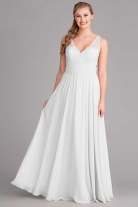 Sleeveless V-Neck Chiffon Wedding Dress With Lace