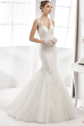 Mermaid V-neck Lace Wedding Dress With Appliques And Illusion Back