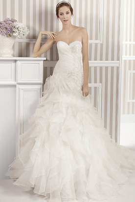 A-Line Ruffled Sweetheart Floor-Length Organza Wedding Dress With Cascading Ruffles And Beading
