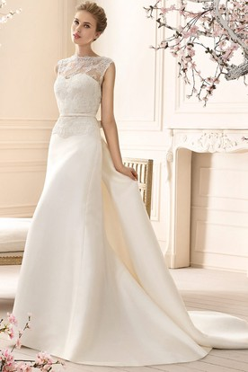 Sheath Sleeveless High-Neck Lace Long Satin Wedding Dress