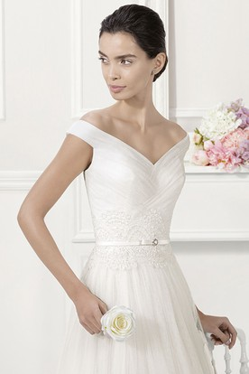 Off Shoulder V-Neck Pleated Tulle Bridal Gown With Belt