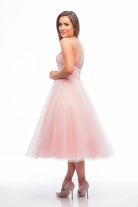 A-Line Tea-Length Appliqued Sleeveless Sweetheart Tulle Bridesmaid Dress