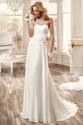 Strapless Long Chiffon Wedding Dress With Side Floral Decoration