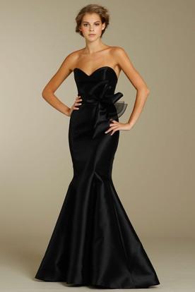 Mermaid Floor-Length Bowed Sleeveless Sweetheart Satin Bridesmaid Dress