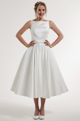 Tea-Length Bowed Sleeveless Scoop Neck Satin Wedding Dress
