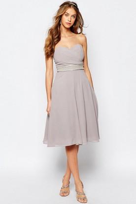 A-Line Sweetheart Jeweled Sleeveless Knee-Length Chiffon Bridesmaid Dress