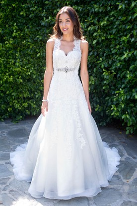 A-Line Long Jeweled Sleeveless V-Neck Lace Wedding Dress With Appliques And Keyhole
