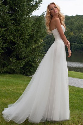Appliqued Sleeveless Sweetheart Lace Wedding Dress With Waist Jewellery