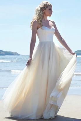 Sweetheart Floor-Length Sleeveless Tulle Wedding Dress