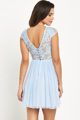 Short Bateau Neck Cap Sleeve Appliqued Chiffon Bridesmaid Dress With Low-V Back